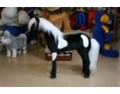Pferd schwarz mit weißen Schecken - schwarz - Mähne + Schweif Nordlandschnucken-Fell (Echtfell) - - Plüschtier von Steiner - handgefertigt in Deutschland - XXL Kuscheltier